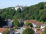Dorf und Schloss von der ev. Kirche aus