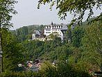 Dorf und Schloss